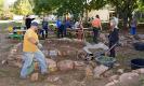 Eltern, Schüler und Lehrer engagieren sich am Mitmachtag der Metropolregion und bauen Kräuterspiralen_4